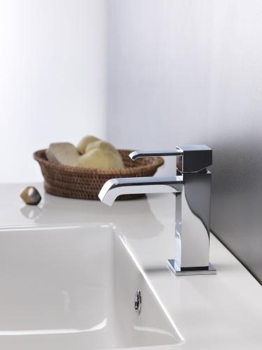 mit der richtigen montageh he waschbecken ideal nutzbar. Black Bedroom Furniture Sets. Home Design Ideas