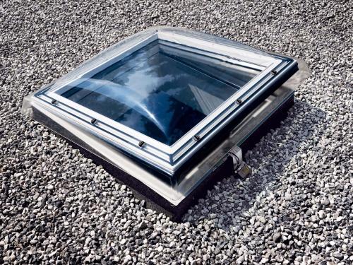 Lichtkuppel  Natürliches Raumlicht durch die Lichtkuppel auf dem Flachdach