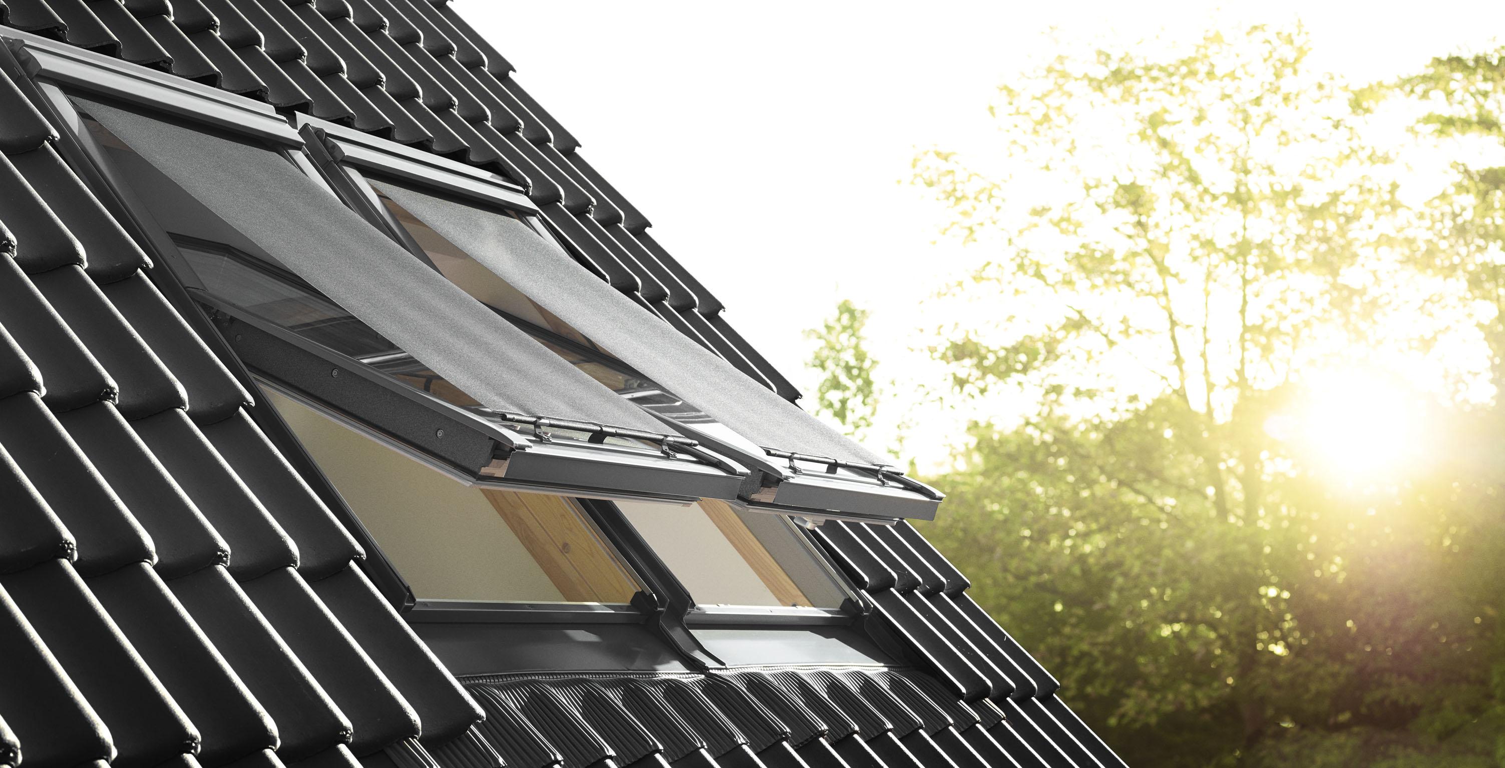 Dachgeschoss bei hitze im sommer herunterk hlen for Tapparelle per velux