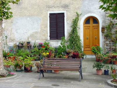 die pflegeleichte gestaltung des vorgartens so sparen sie zeit und aufwand. Black Bedroom Furniture Sets. Home Design Ideas
