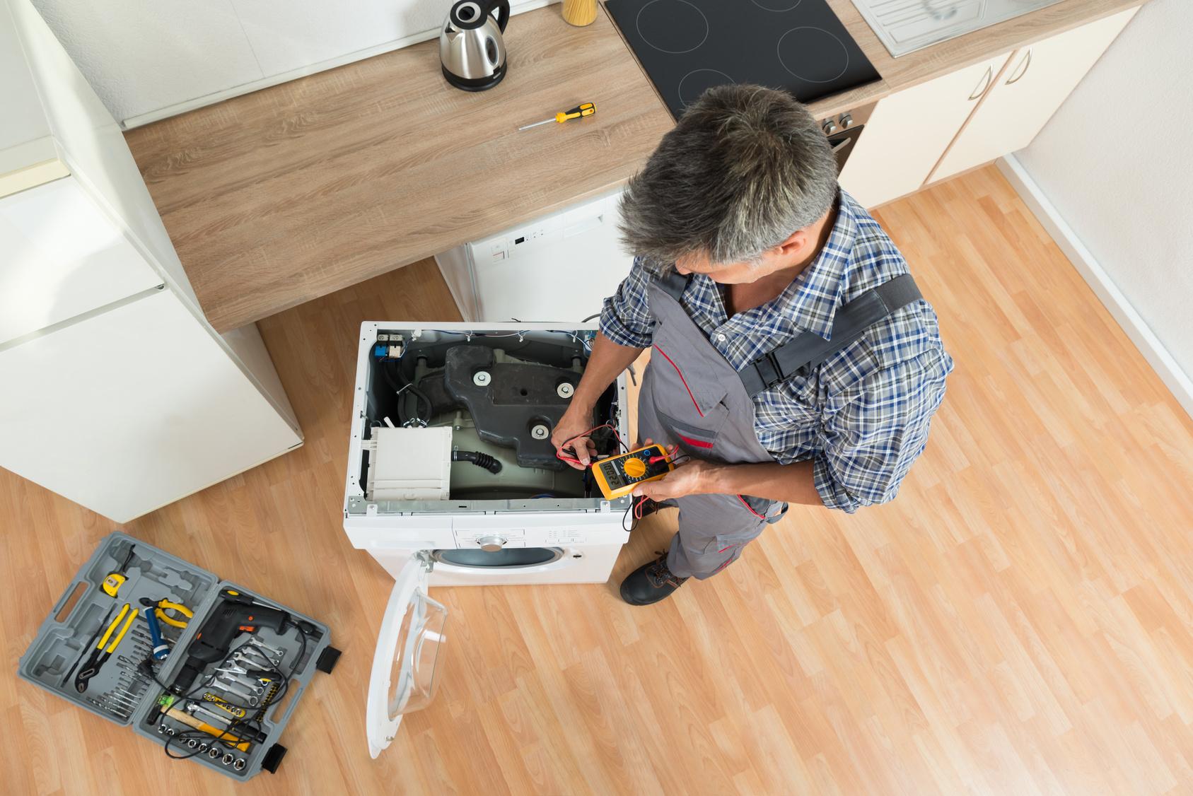 den richtigen elektriker f r den richtigen job finden. Black Bedroom Furniture Sets. Home Design Ideas