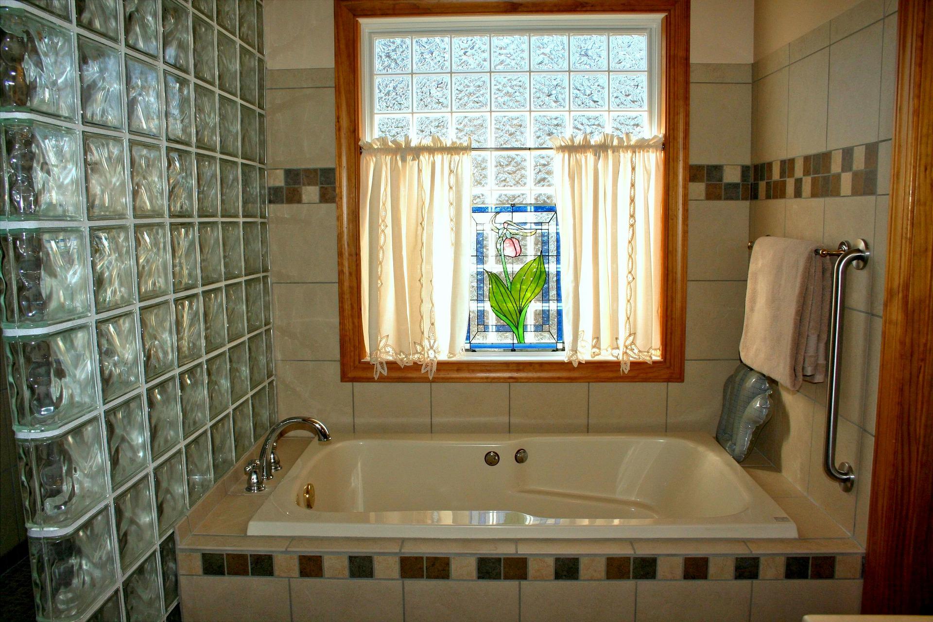 bad en suite vor und nachteile der offenen badezimmerl sung. Black Bedroom Furniture Sets. Home Design Ideas