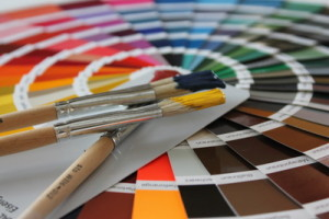 Farbpalette Wandfarben - damit Sie mit der Hilfe eines Fachmanns die richtige Wandfarbe für Ihre Räume finden. © Uwe Schlick / pixelio.de