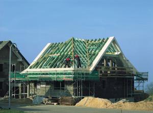 bau und sanierung des dachstuhls m glichkeiten vergleichen und kosten sparen. Black Bedroom Furniture Sets. Home Design Ideas