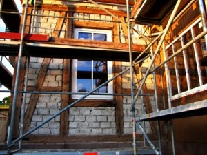 Moderne Fenster sparen aufgrund der besseren Außendämmung langfristig Geld