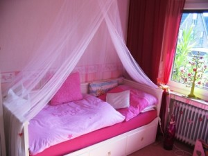schimmel im kinderzimmer gesundheitsrisiko f r eltern und kinder. Black Bedroom Furniture Sets. Home Design Ideas