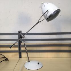 Bordslampa, ny från Texa Design. Modellen heter Oden. Vit med vit tygsladd.
