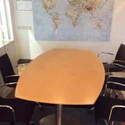 Ekanformat konferensbord från Lammhults. Mått: L200xB110xH74 cm