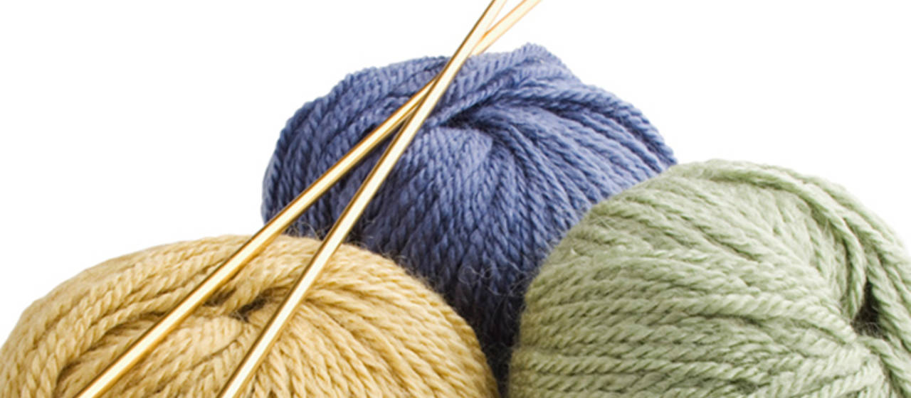 Basic Knitting Stitches With Pictures : Knitting Basics: The Knit Stitch Knitting Techniques Idiots Guides