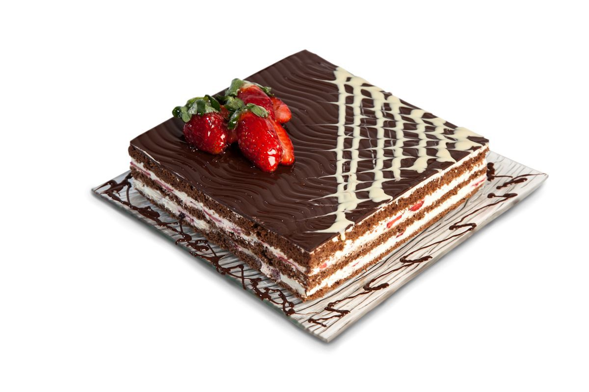 CHOCOLATE-STRAWBERRY CAKE