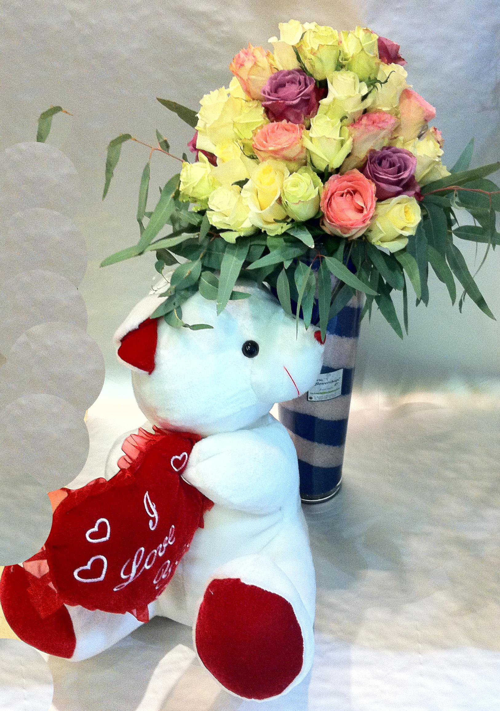 Roses arrangement  40 stems  Big Headed Ecuador  vase  colored sand decoration  Xlarge Teddy Bear