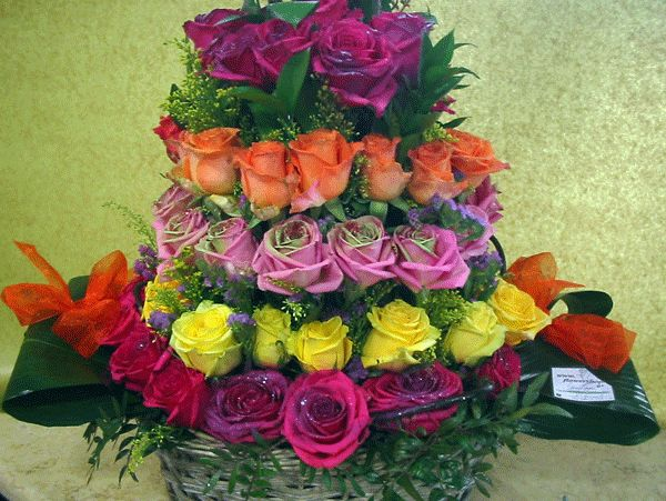 Roses tower in Basket