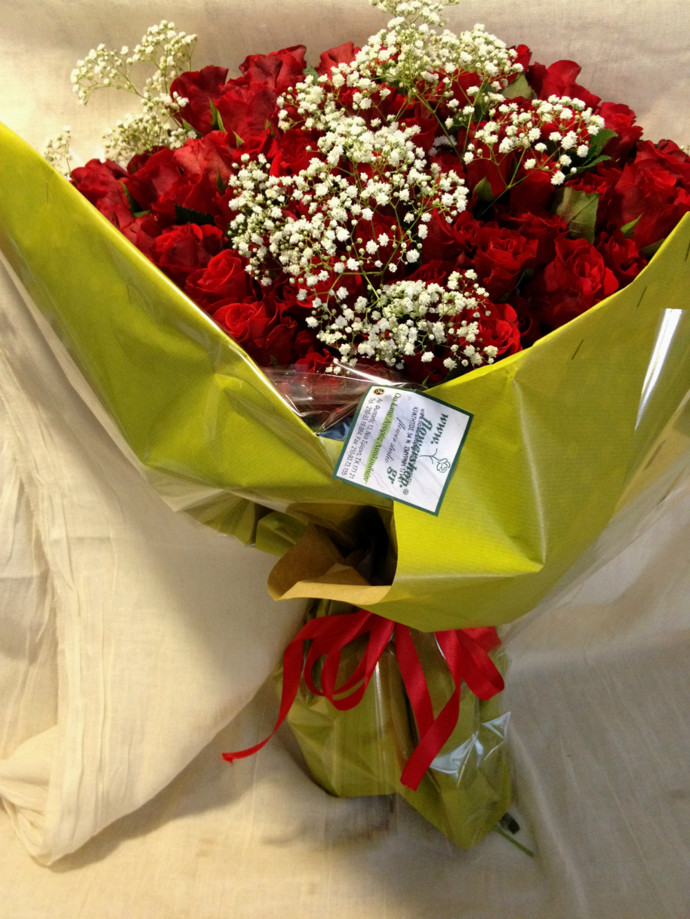 101 Red Exclusive Dutch Roses 50 cm gift wrapped