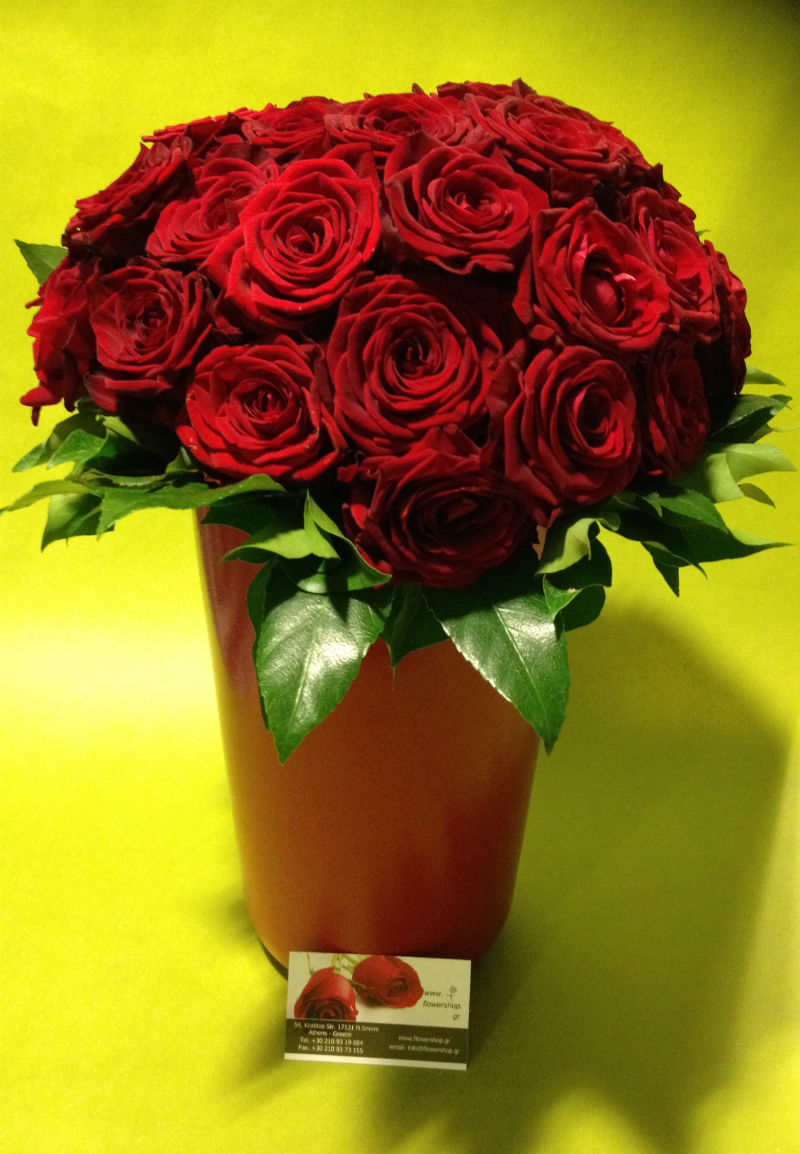 35 red or pink roses bouquet