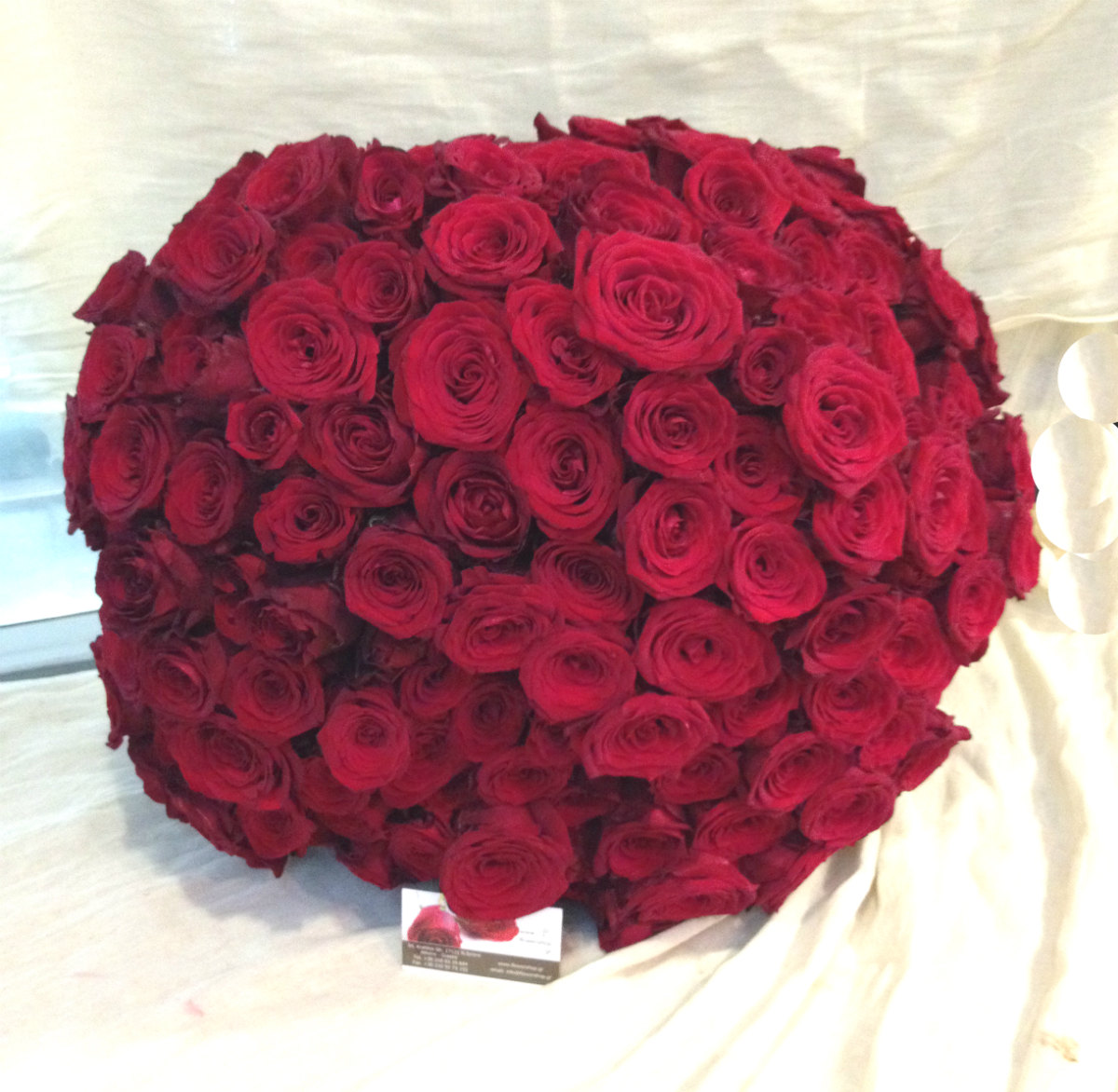 XLarge Red Roses Bouquet  200 Heads  Exclusive