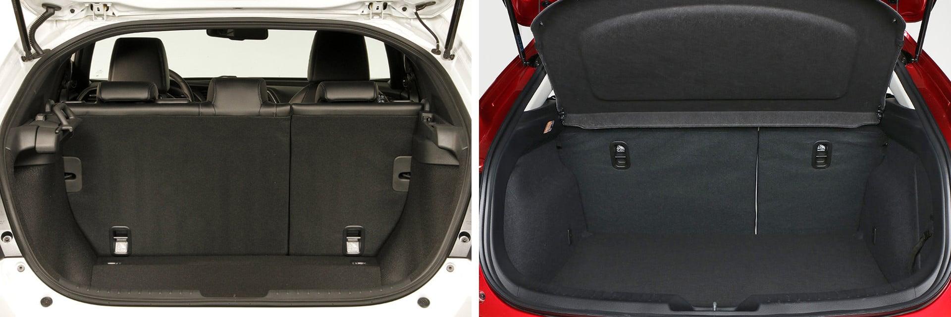El volumen del maletero del Civic (izq.) es muy superior al del Mazda3 (dcha.): 478 litros del Honda por los 364 del Mazda.