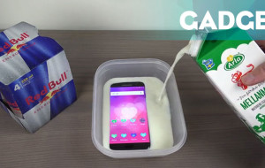Direndam Susu Beku, Mampukah Galaxy S7 Edge Bertahan?