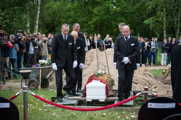 Beisetzung einer ertrunkenen Frau am Dienstag in Berlin. Foto: die-toten-kommen.de