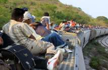Obama Admin Recruiting Illegal Immigrants - Illegal Immigrants On Trains