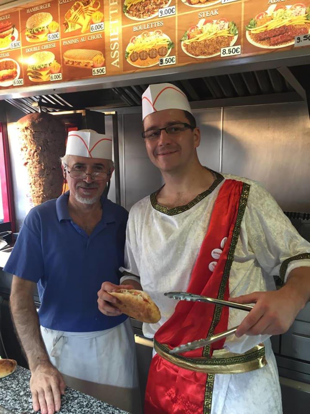 Mouffetard Faire son kebab 2 kebabs seulement
