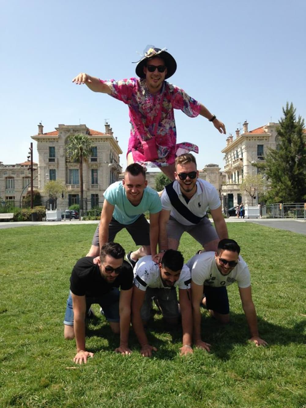 Vieux Nice Pyramide humaine