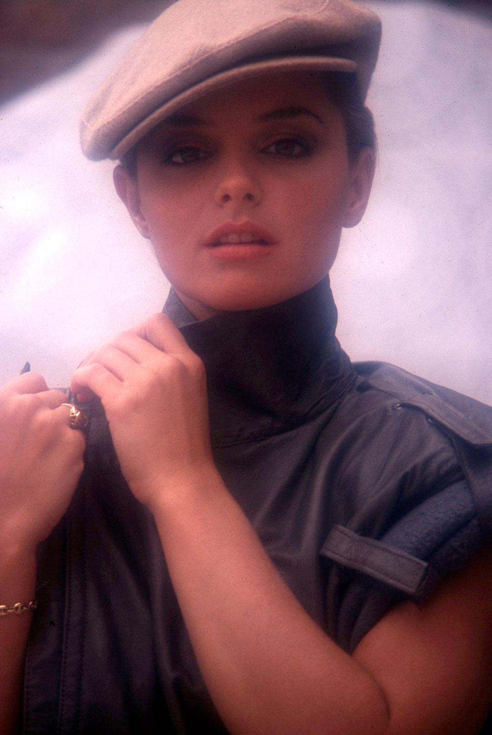 Gina Gershon foto