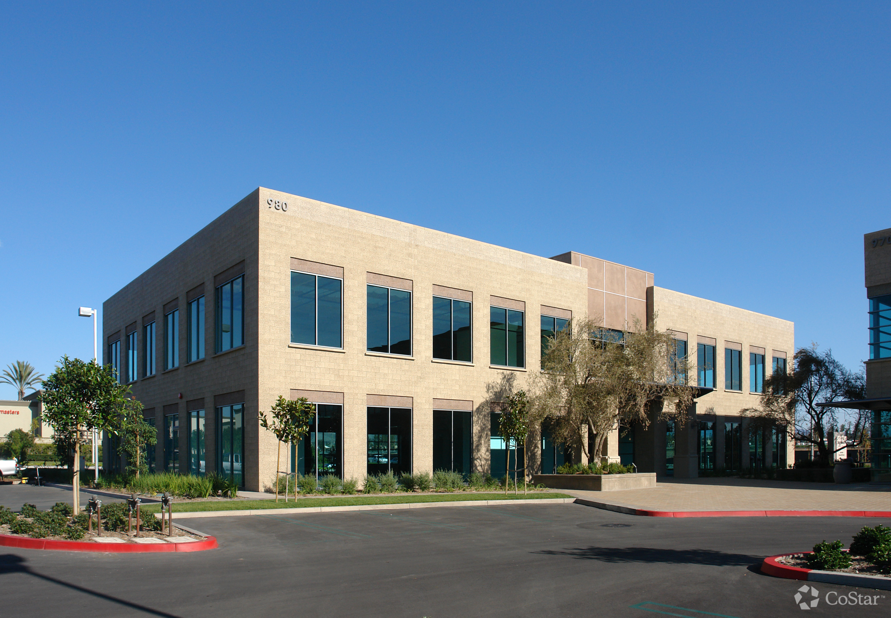 Building 15 - Office - Lease