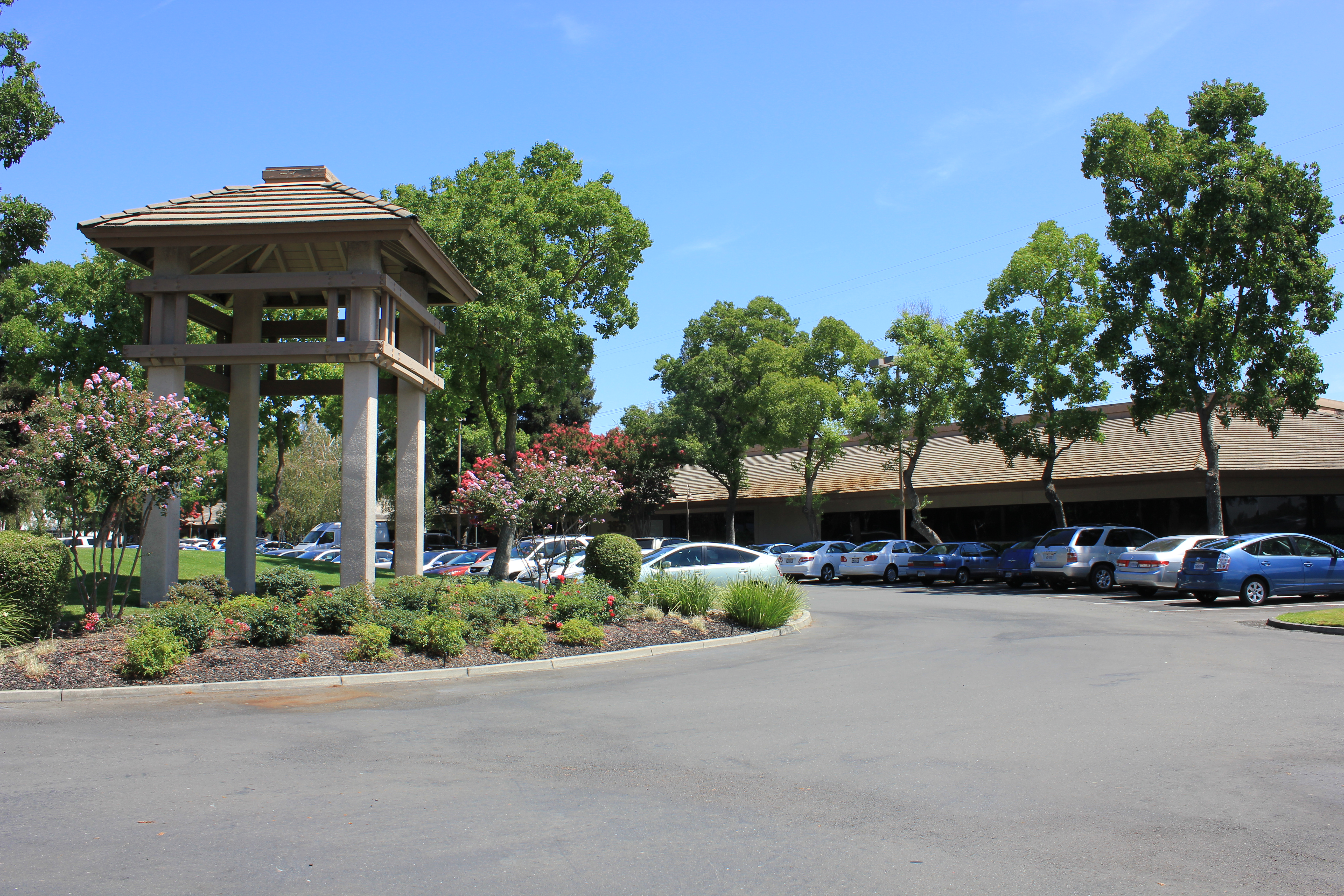 North Pointe Business Centre - Office - Lease