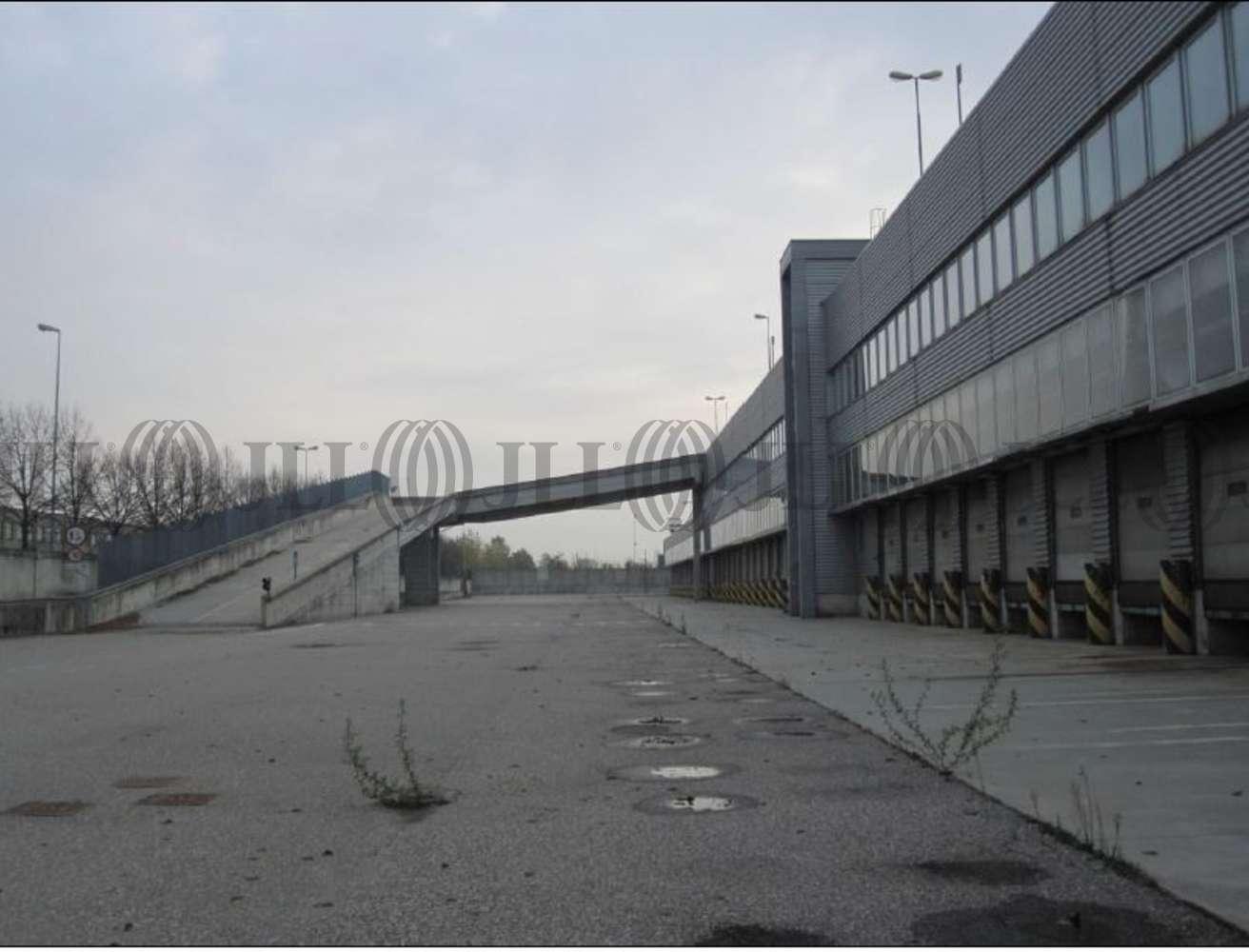 Magazzini industriali e logistici Arluno, 20010 - Arluno Warehouse