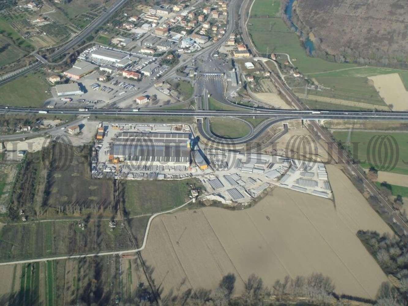 Magazzini industriali e logistici Orte, 01028 - Orte