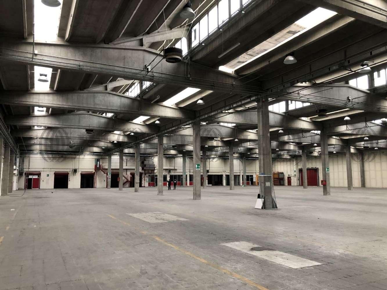 Magazzini industriali e logistici Buccinasco, 20094 - Magazzino Buccinasco