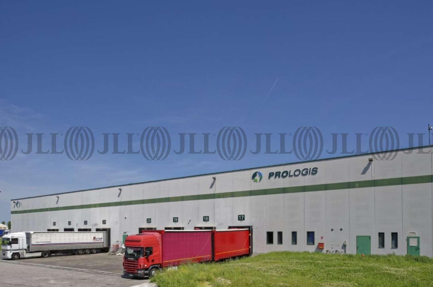 Magazzini industriali e logistici Bentivoglio, 40010 - Bologna Interporto DC3