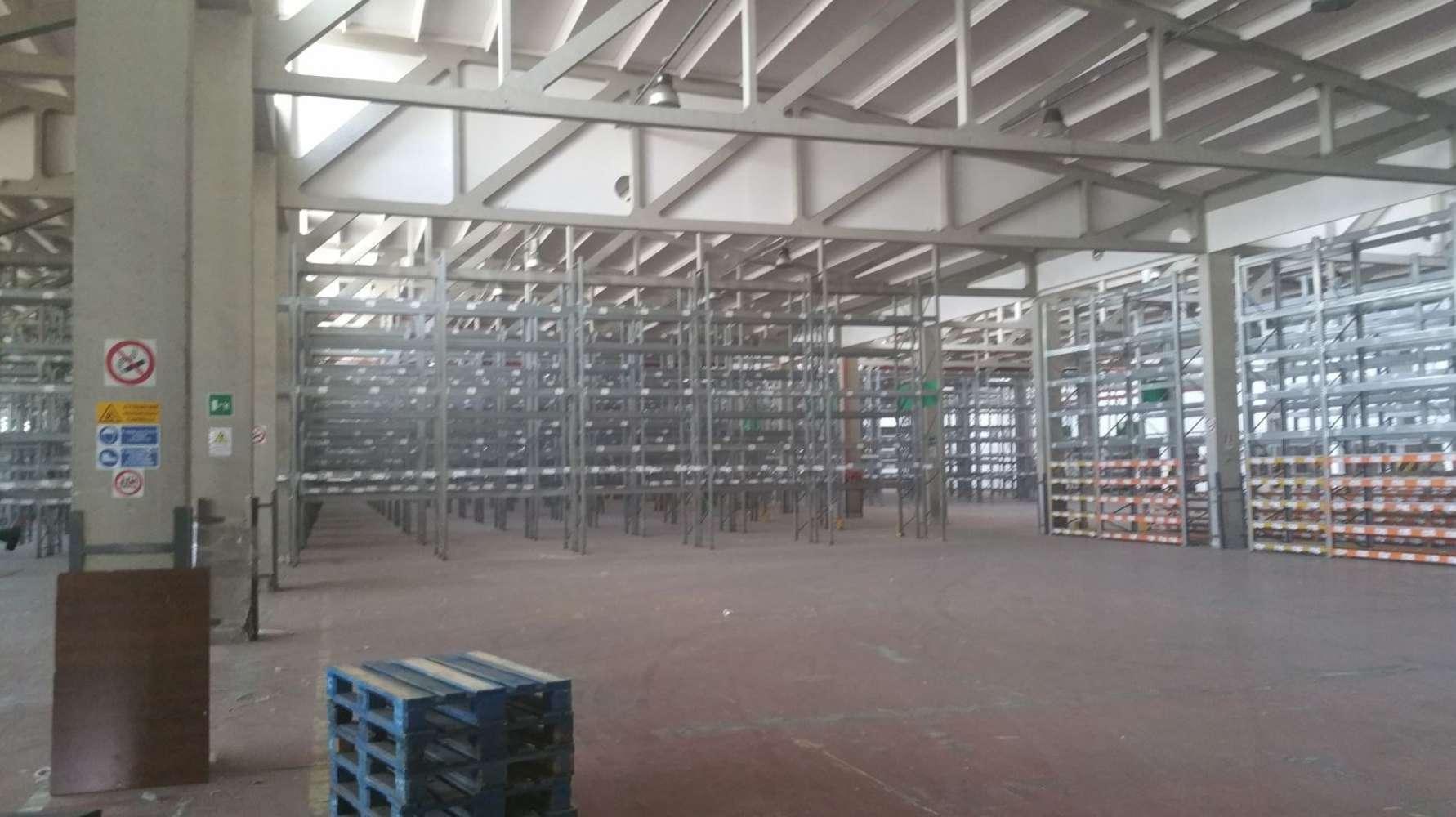 Magazzini industriali e logistici Roma, 00155 - Tor Cervara Warehouse