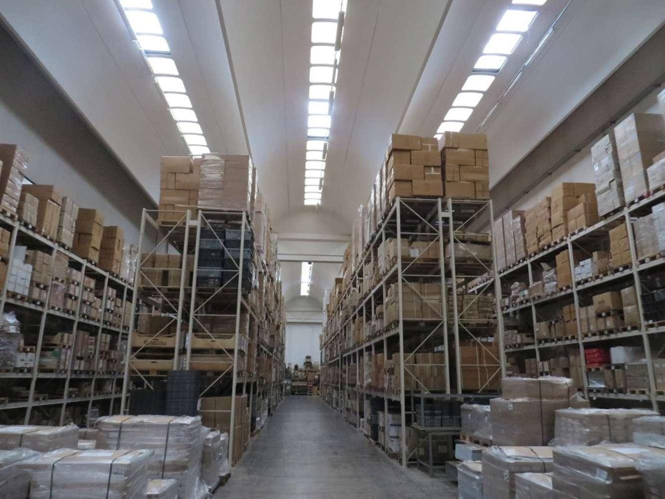 Magazzini industriali e logistici Caronno pertusella, 21042 - Caronno Pertusella