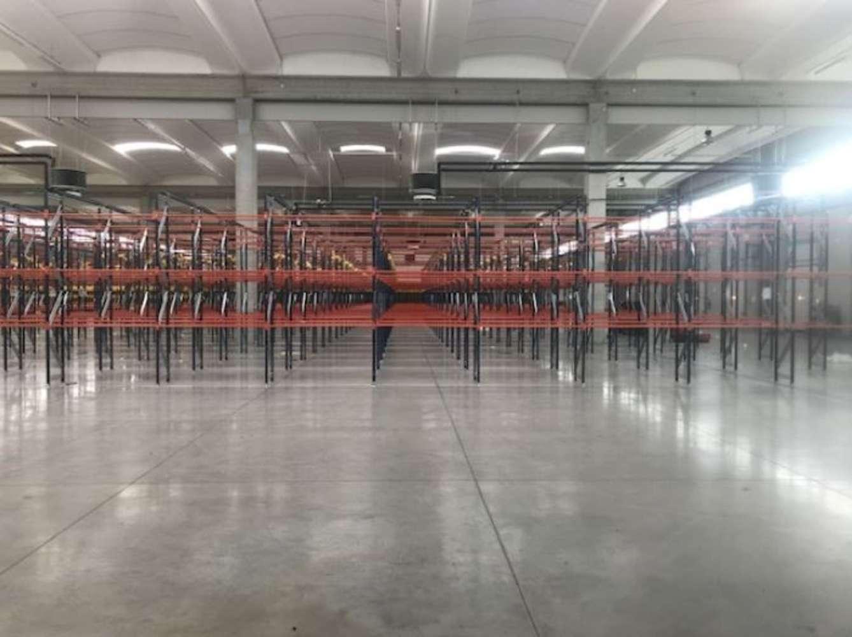 Magazzini industriali e logistici Reggello, 50066 - Firenze Sud
