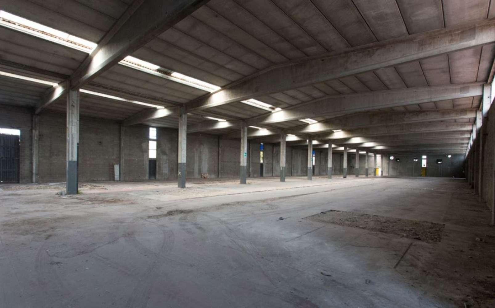 Magazzini industriali e logistici Caronno pertusella, 21042 - Caronno Via Trieste