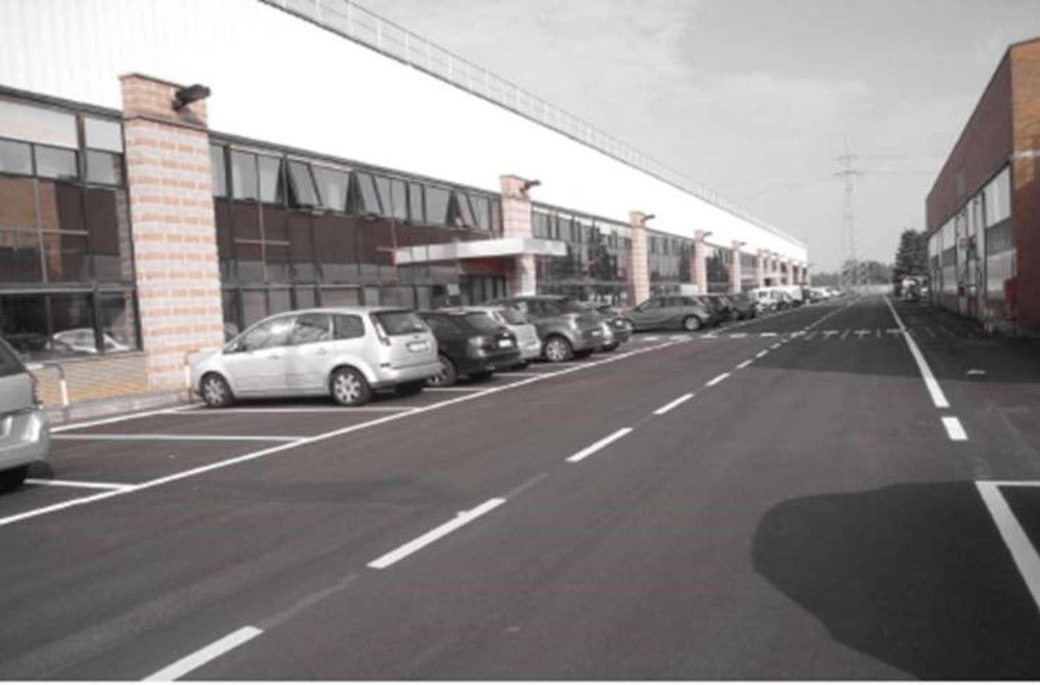 Magazzini industriali e logistici Vittuone, 20010 - Immobile logistico Vittuone