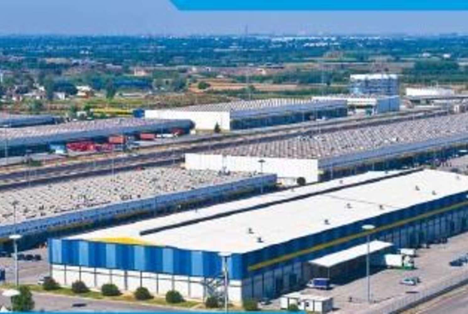 Magazzini industriali e logistici Nola, 80035 - Interporto Campano - 8228078