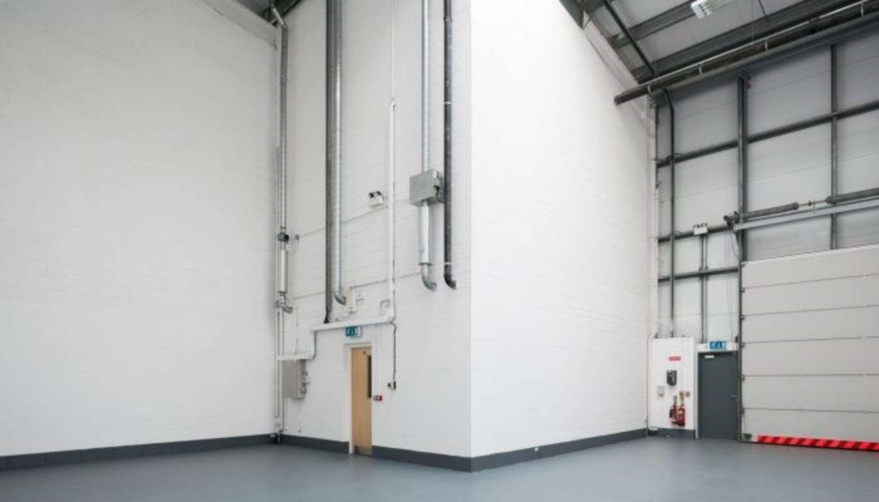 Industrial Dublin 11, D11 HO2E - Unit D19 The Enterprise Centre - 8740155