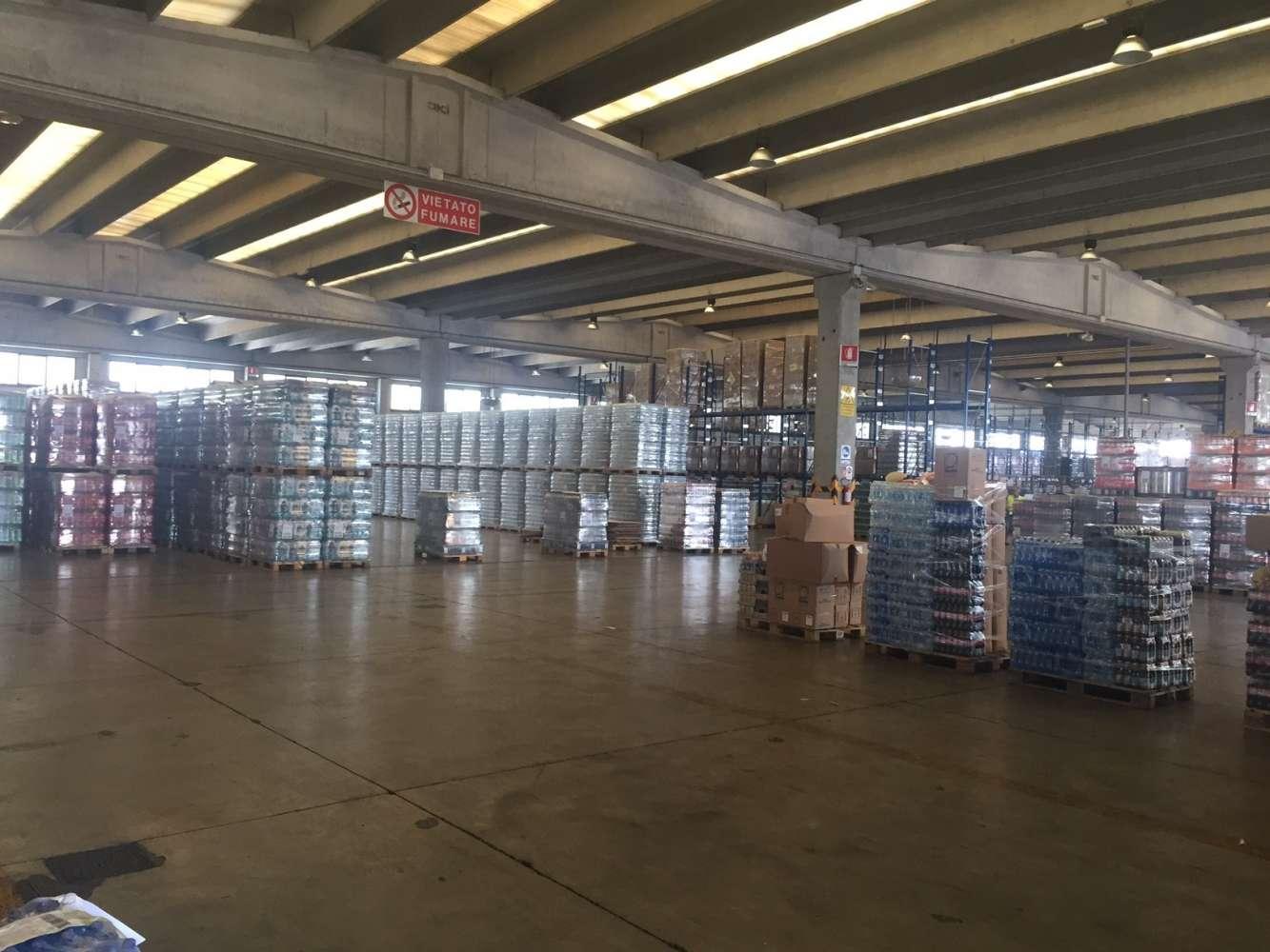 Magazzini industriali e logistici Milano, 20090 - Buccinasco - 8899735