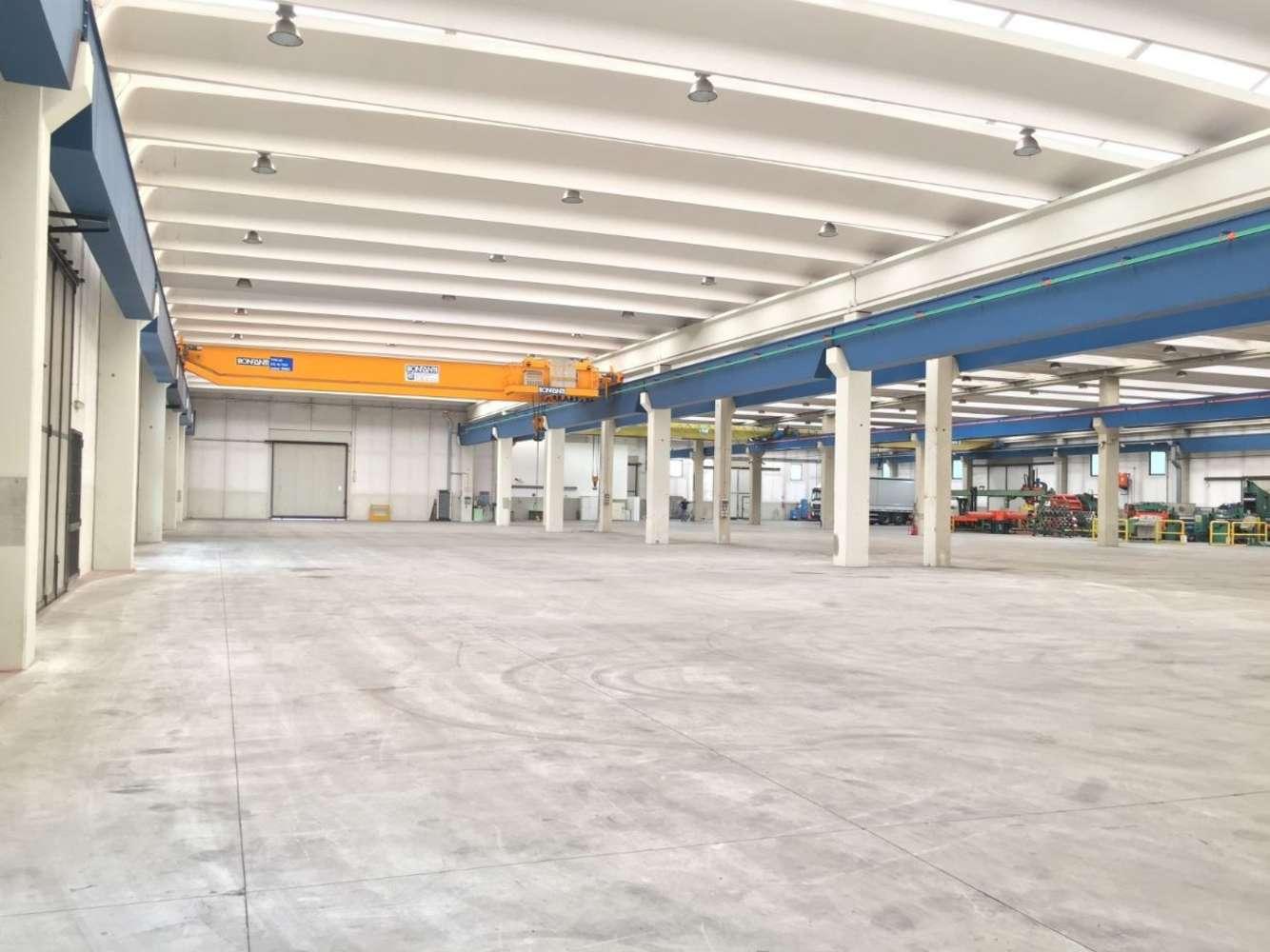 Magazzini industriali e logistici Mapello, 24030 - Mapello - 9200078