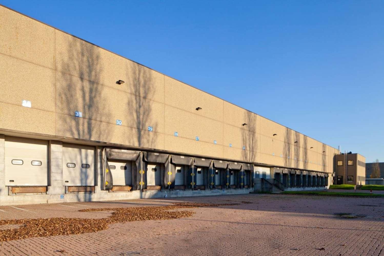 Magazzini industriali e logistici Carpiano, 20080 - Carpiano - Via Pertini - 9212988