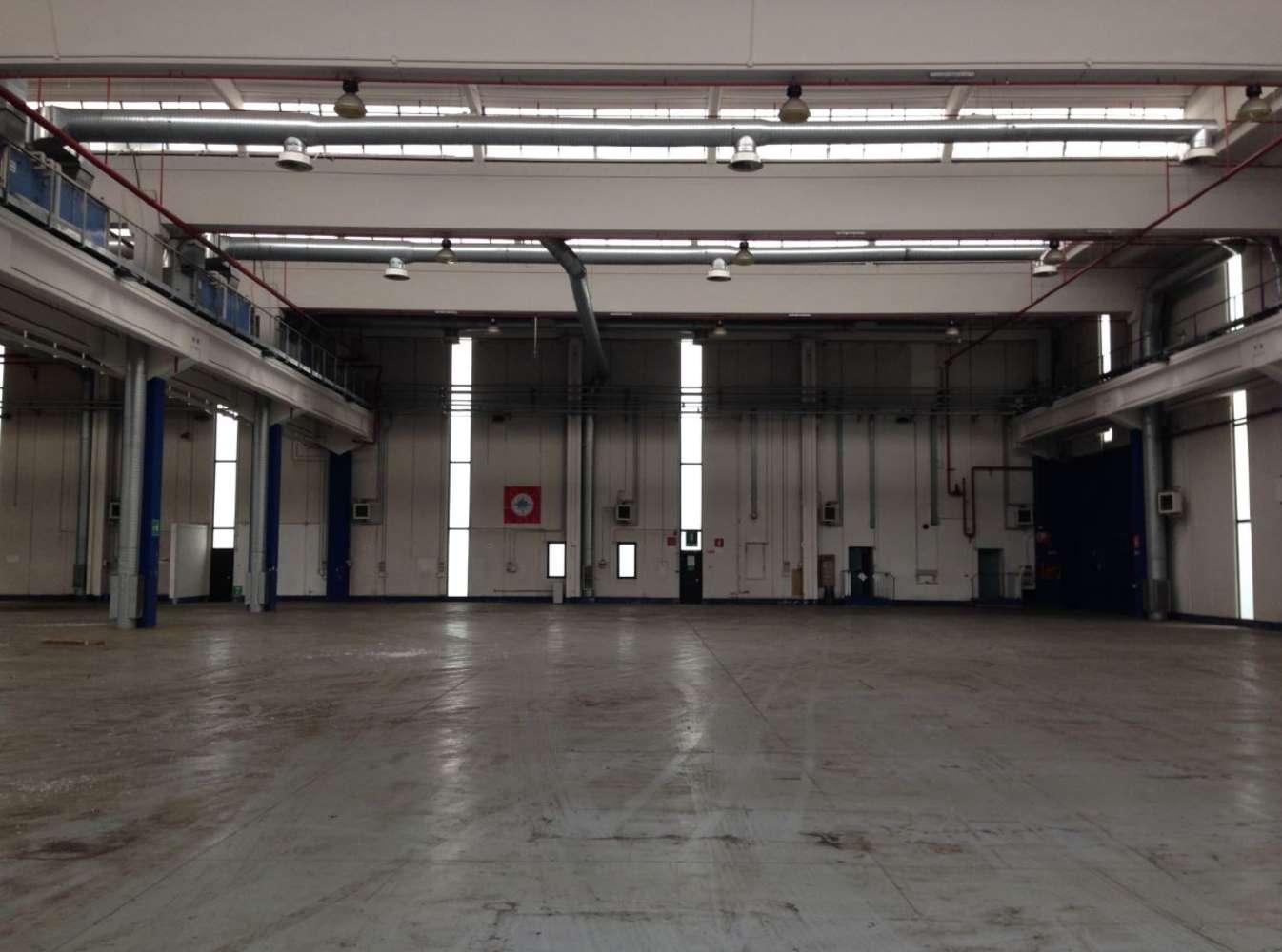 Magazzini industriali e logistici Cornaredo, 20010 - Cornaredo - 9218085