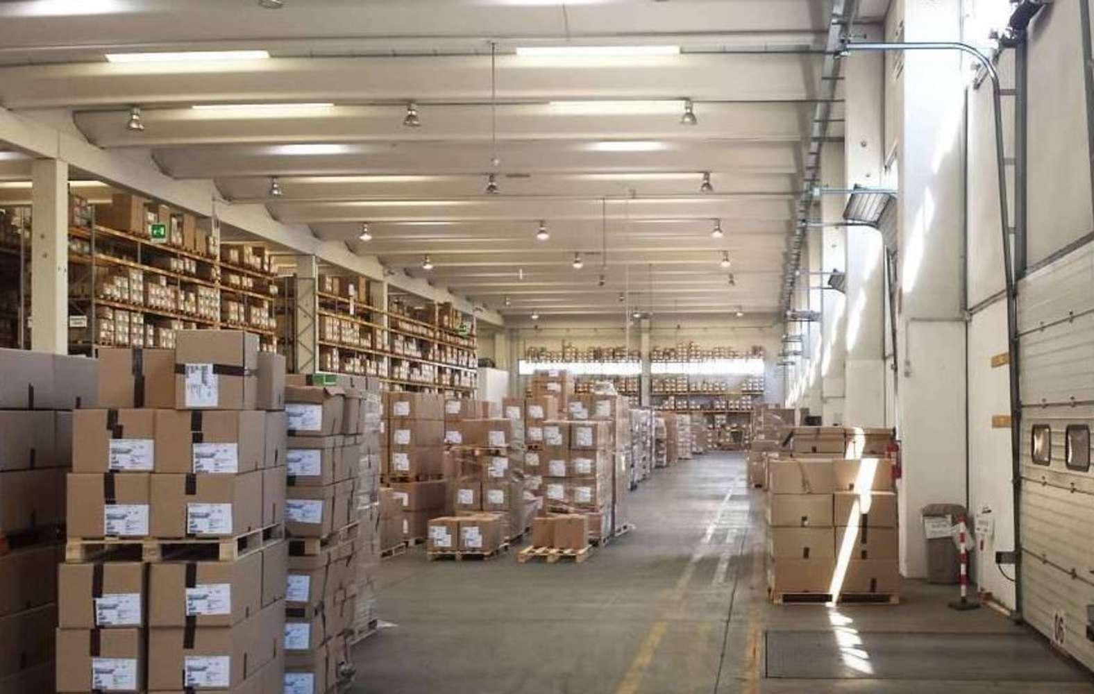 Magazzini industriali e logistici Orbassano, 10043 - Orbassano - 9221149