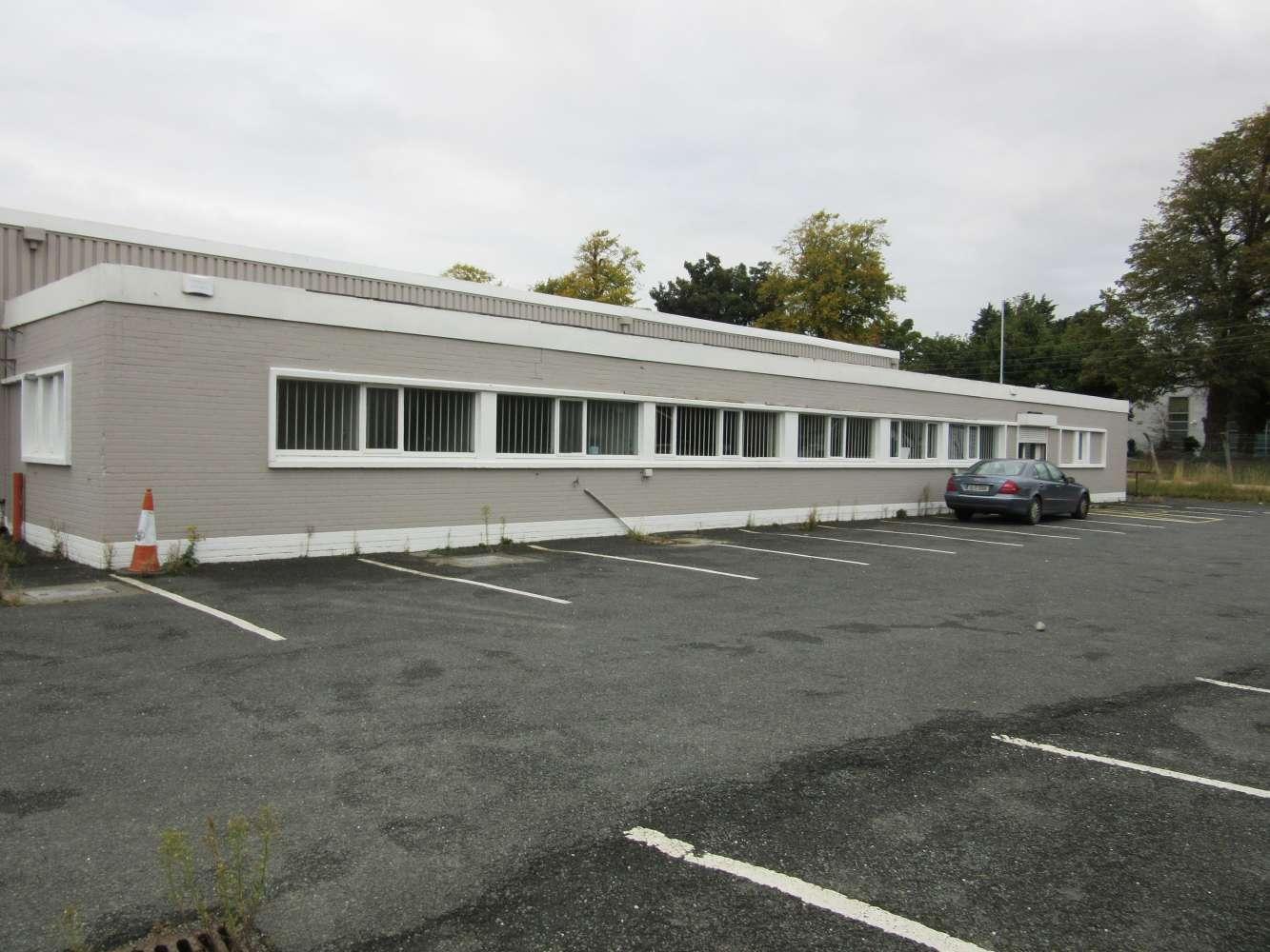 Retail Dublin 9, D09 C623 - Retail Showroom - 9518537