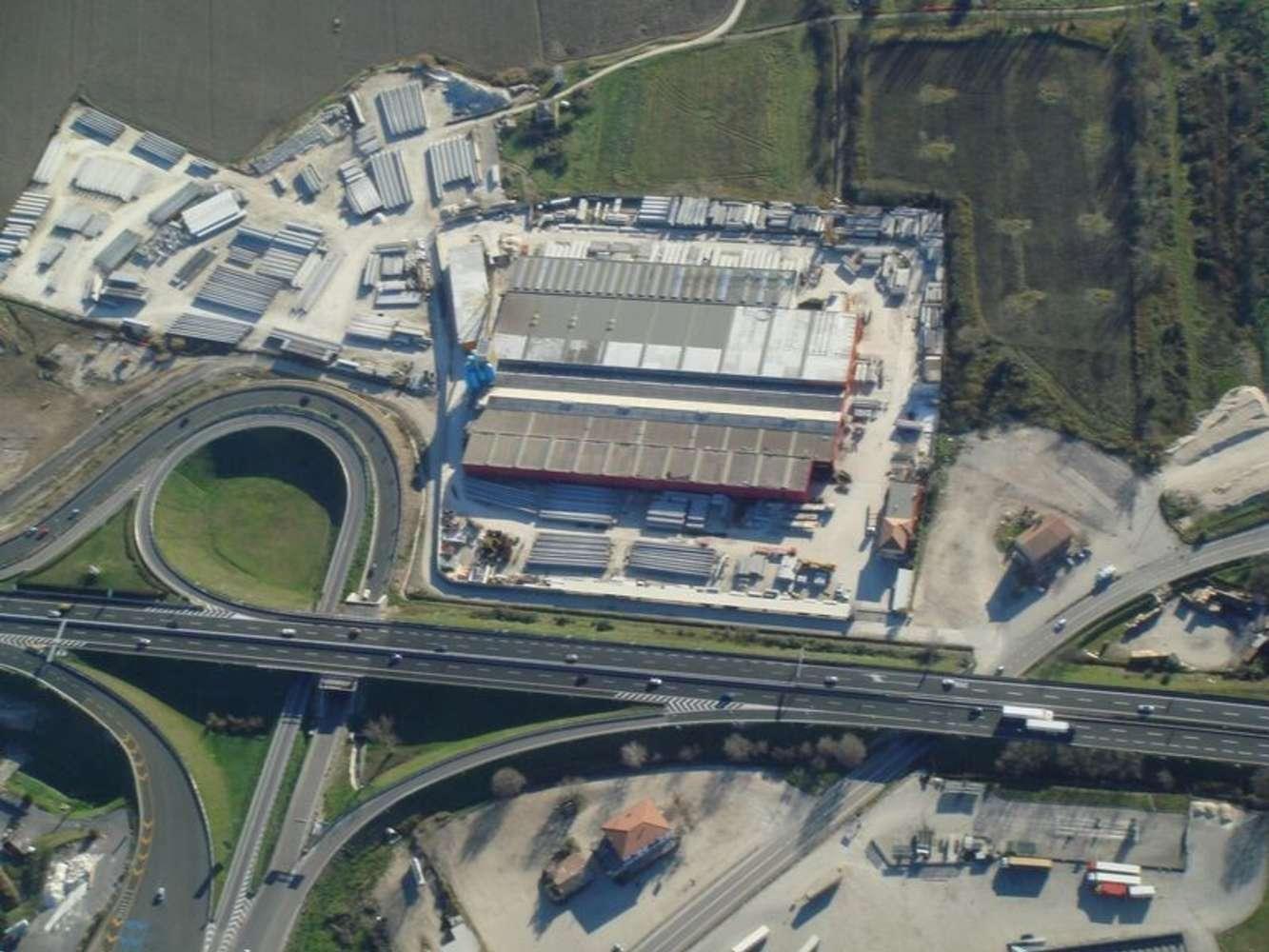 Magazzini industriali e logistici Orte, 01028 - Orte - 9569056