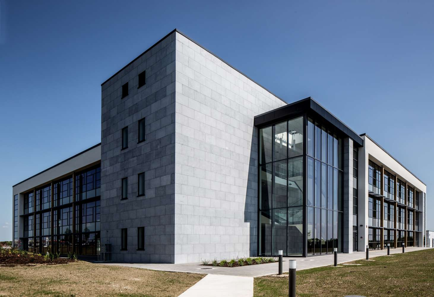 Office Galway, H91 V0TX - Block 5, Parkmore East Business Campus - 9630816