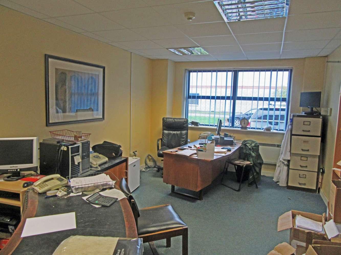 Industrial Dublin 11, D11 RD90 - Unit 6 Finglas Business Centre - 9765729