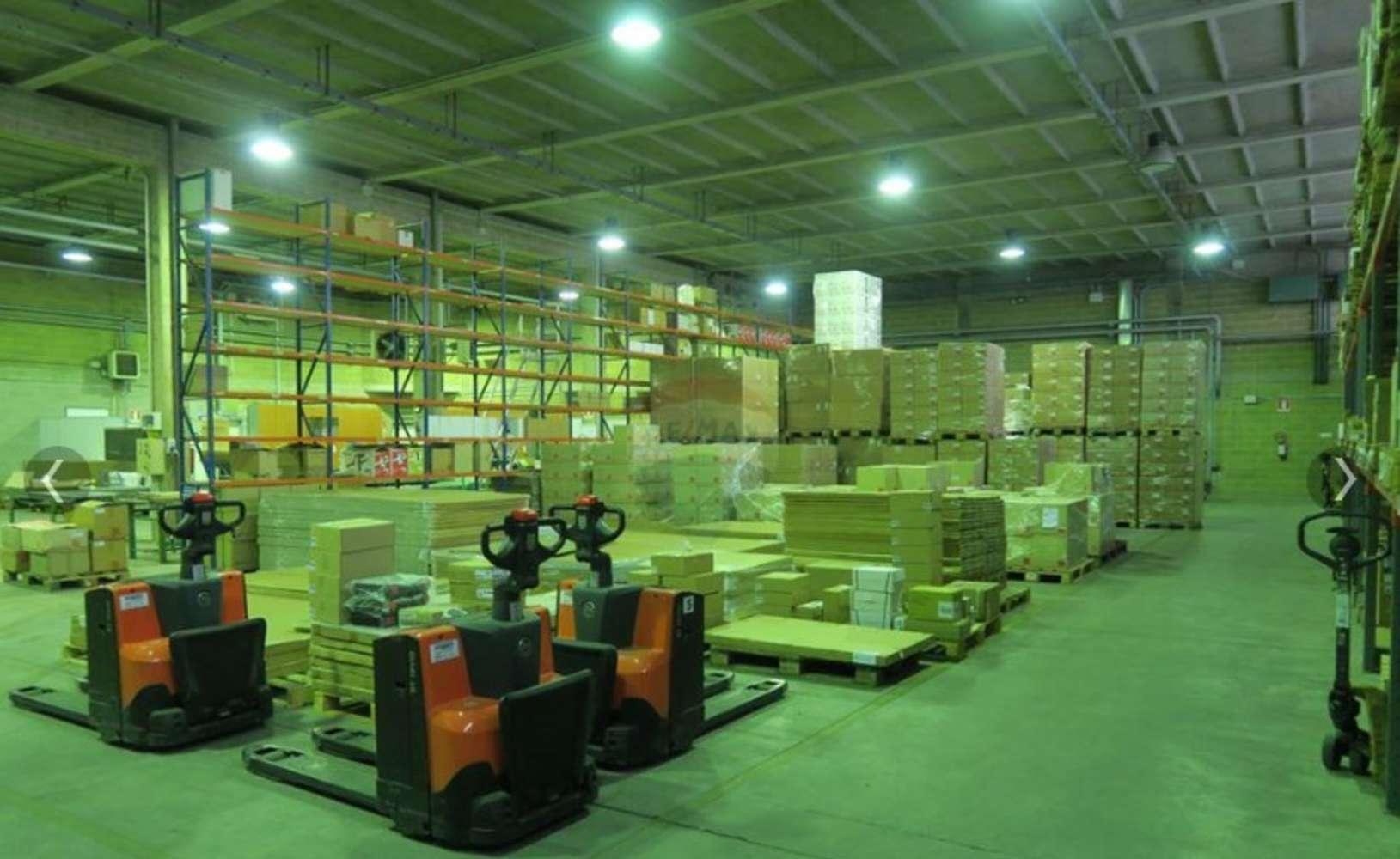 Magazzini industriali e logistici Tornaco, 28070 - Tornaco - Novara - 9845316