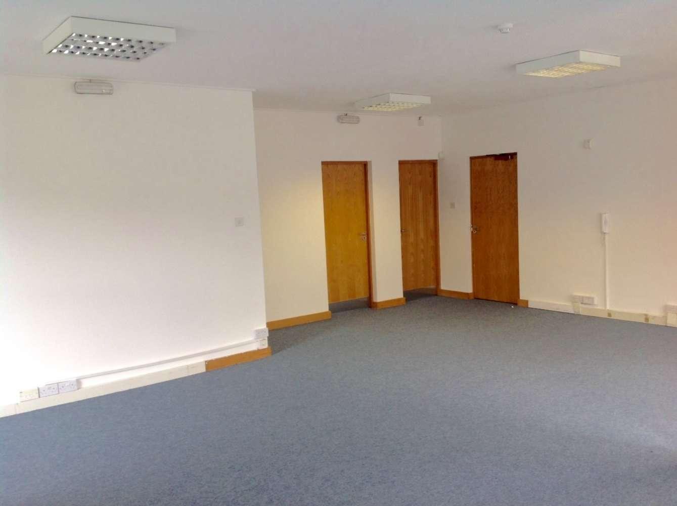 Office Dublin 9, D09 YX84 - Airvista Office Park - 9865500
